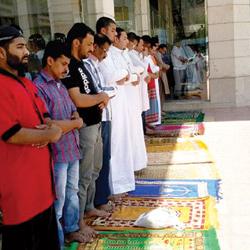 """أثناء إلقاء درس لطلابه على منصة مدرستي .. وفاة المعلم """" أحمد الزهراني"""" في جدة"""