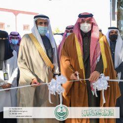 أمير منطقة الحدود الشمالية يستقبل معالي  وزير الصحة الدكتور توفيق الربيعة يرافقه عدد من المسؤولين في الوزارة.