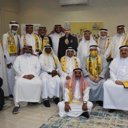 استعداداً للقمة الخليجية مدير مطار الأمير عبدالمجيد بالعلا يستقبل رئيس هيئة الطيران المدني