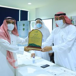 مركز حي المسفلة يعقد اتفاقية مجتمعية مع فريق من أجل مكة