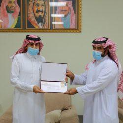 """مدير جمعية رفقاء لرعاية الأيتام  المهندس """" آل هادي """" في زيارة لبنك التنمية الإجتماعية"""