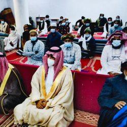 مراقب الأوقاف يؤم المصلين بمصلى العيد بصيوي