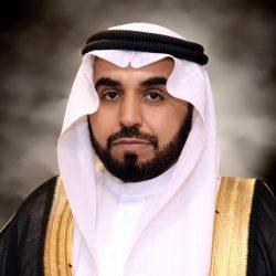 محافظ محايل يلتقي المبتكرة يسرى آل عبده