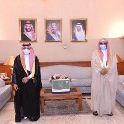 البحرين   السيسي البوعينين ملتقياً وكيل الثروة الحيوانية..ملجأ للكلاب الضالة في الجنوبية قريباً