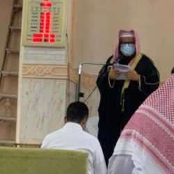 إمام وخطيب جامع المرحوم عقيل مباركي بالمقالي يقدم خطبتي وصلاة عيد الأضحى المبارك