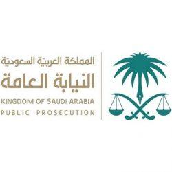 معالي رئيس الجامعة يفتتح معرض القبول والتسجيل بمجمع عرعر مول