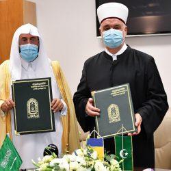 سمو أمير تبوك يلتقي أهالي محافظة ضباء