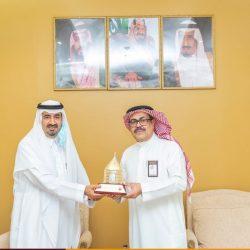 مركز تميز الرياض ينفذ اليوم لقاء بعنوان مفاتيح التميز في رحلة طالبة متميزة