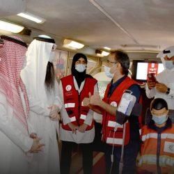 """*شرطة أبوظبي تحذر من خطورة """"التجمهر"""" بمواقع الحوادث*"""